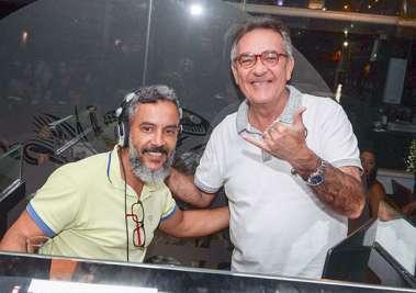Dinho Santana com o DJ do SOHO
