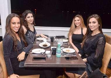 Shalom Rubino, Pricila Chacul, Camila Freire e Ana Carolina Alencar no Soho em fotos de Valterio Pacheco