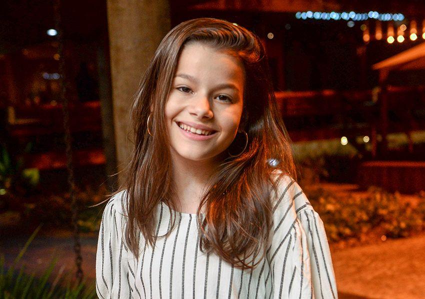 Giulia Levita a cantora que passou domingo no Programa The Voice Brasil jantou no Soho com a família.Ver mais...