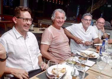 Arthur Gallas, Ivan Smarcewisky o aniversariante no Dass com amigos