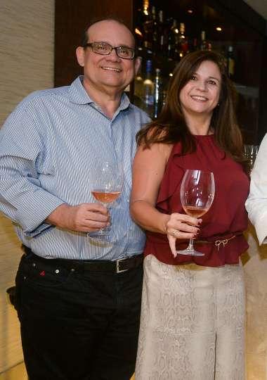 Verônica e Ademar Lemos do Chez Bernard em fotos de Valterio