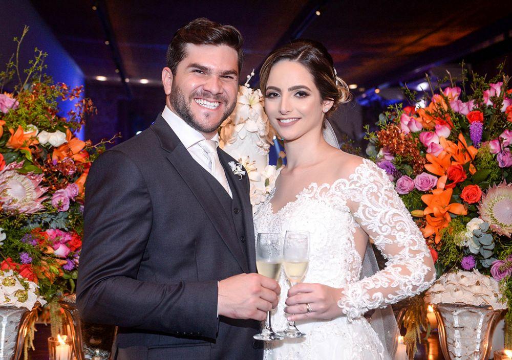 Casamento de Daniela Moura e Gilvan Landin no dia 01 de dezembro no Amado. Ver mais...