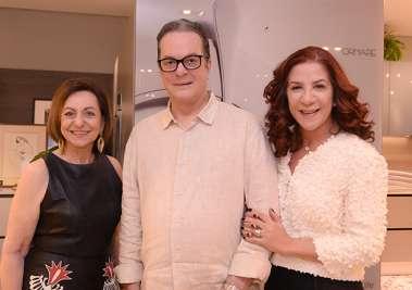 Regina Weckerle com Carlos Amorim e Jussara Amorim na Ornare