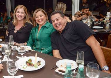 Monica Bacelar Sacramento, Cristina David e Marcelo Sacramento em fotos de Valterio Pacheco