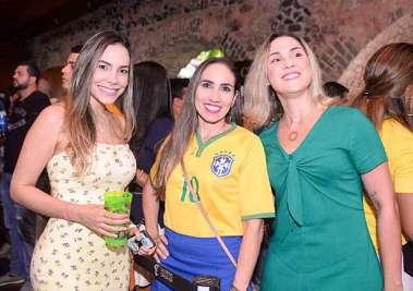 Cecília Rocha, Giselle Campos e Carolina Gusmão em fotos de Valterio