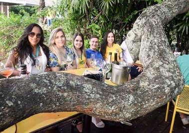 No restaurante Lafayette jogo do Brasil 2 Sérvia 0 em fotos de Valterio