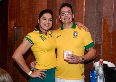 Mônica e Delegado Arthur Gallas em fotos de Valteiro