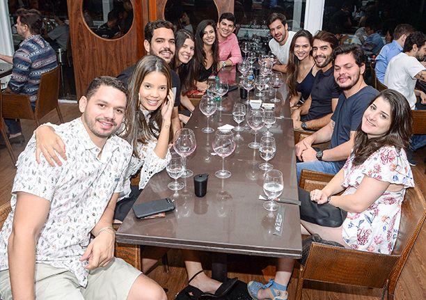 Veja as celebridades que jantaram no último dia 14 de julho no Soho,  e Das. Click pra ver mais...