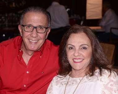 Virginia e Wanderley Rey jantando no Amado em fotos de Valterio