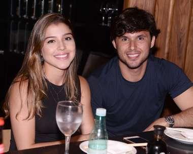 Natália Marchesini e Eduardo Schnitman jantando no Soho dia 05/01/2018 em foto de Valterio