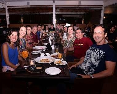 Desembargador Pires Ribeiro jantando com amigos daqui e do Piauí no Soho em fotos de Valterio Pacheco