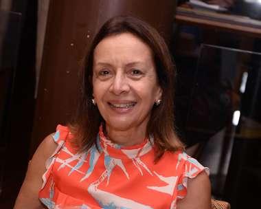 Ana Caribé jantando dia 05/01/2018 no restaurante Lafayette em fotos de Valterio