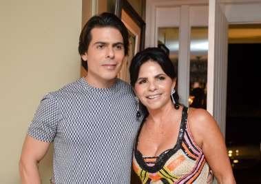 Tima Lima com seu filho Alexandre Lima em fotos de Valterio