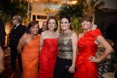 Kissinha Borges, Regina Weckerle, Aline Peixoto e Carla Borges em fotos de Valterio
