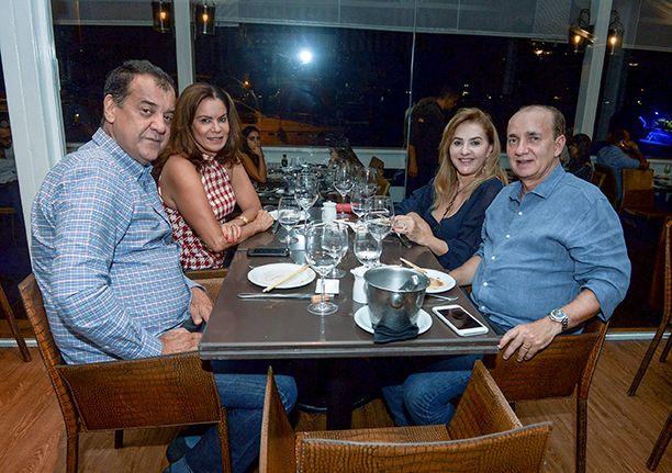 Veja as celebridades que jantaram no Amado, Soho, Das, Lafayette e Alfredo di Roma no dia 08 de junho.Click pra ver...