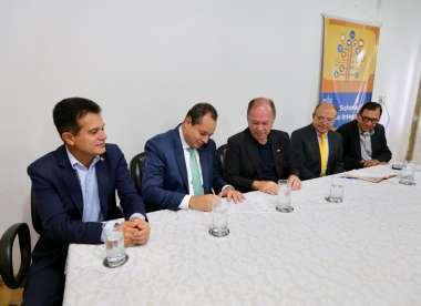 Da esquerda para direita, Nelson Leal, João Leão, Eduardo Salles e outros