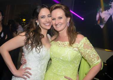 A niva Gabriella com sua mãe Verônica Machado Cunha Guedes em fotos de Valterio