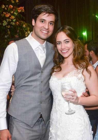 Os noivos Gabriella Machado e Luiz Eduardo Carvalho em fotos de Valterio