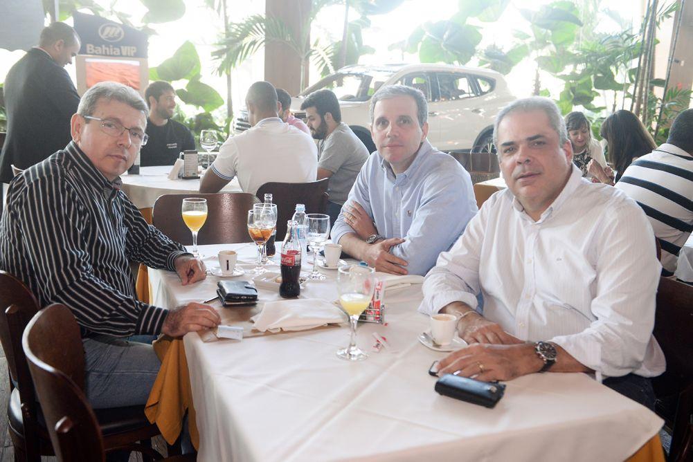 Veja os que almoçaram dia 14 no Almare, Ferraro Café e Restaurante 33 do Salvador Shopping. Clique pra ver...