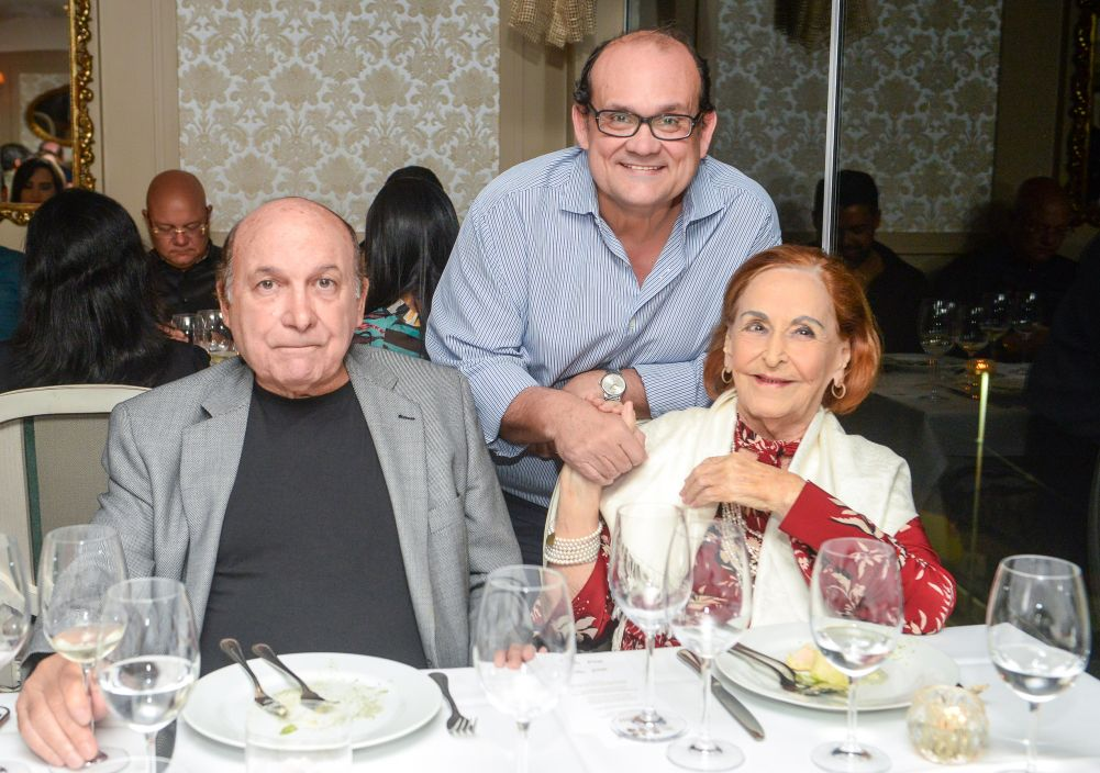 O Restaurante Chez Bernard recebe ontem, para jantar harmonizado em parceria com a Vineria. Ver mais...