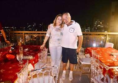 Mary e José Nilton Carvalho comemora reveillon em sua cobertura da Barra