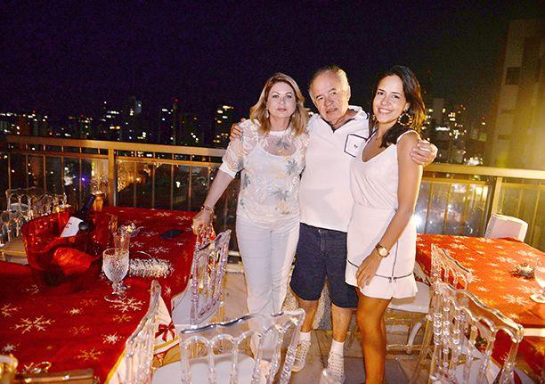 José Nilton Pereira Carvalho realizou mais um Reveillon na cobertura do seu ap na Barra. Veja as fotos...