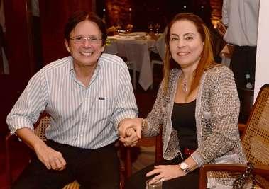 Celebridades jantando sexta-feira dia 15/07 no restaurante Amado