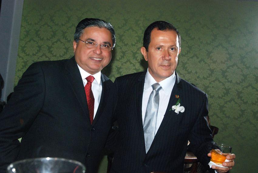 Colunista Dinho Santana de Aracajú com o editor deste site Valterio Pacheco