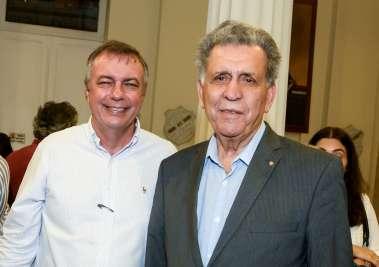 Marcos Venicius da Consite e Adary Oliveira da Associação Comercial da Bahia em fotos e Valteiro