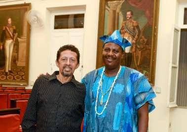 Valterio Pacheco com o prf. Dr. Ayoh' Omidire  do Instituto de Estudos Culturais da Universidade de Ile Ifé da Nigéria