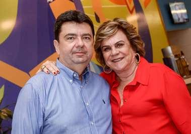 Paulo Vianna e sua mãe Cátia Quastller a aniversariante do último dia 05 de junho