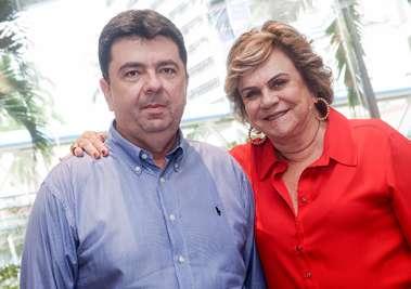 Cátia Quastller a aniversariante, com o filho Paulo Vianna em fotos de Valterio