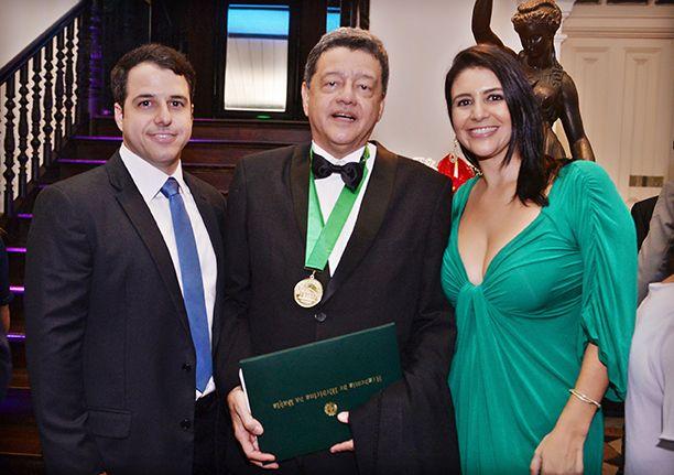 Dr. Jorge Pereira(pneumologista), foi empossado com membro da Academia de Medicina da Bahia, em solenidade na sede da própria academia.