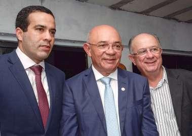 Bruno Reis, Pastor Valdomiro Pereira da Silva e José Ronaldo em fotos de Valterio Pacheco