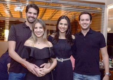 Grasi e Júlio Almeida, Verônica Almeida e o aniversariante Geraldo Correia Filho no Soho em fotos de Valterio