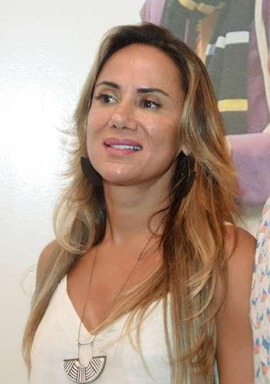 Luciana Lobo em fotos de Valterio pacheco
