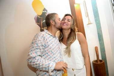 O carinho de Gustavo Moreno para com Luciana Lobo