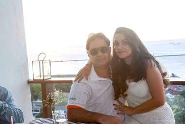 O aniversariante Guto Faria e Silvana Faria