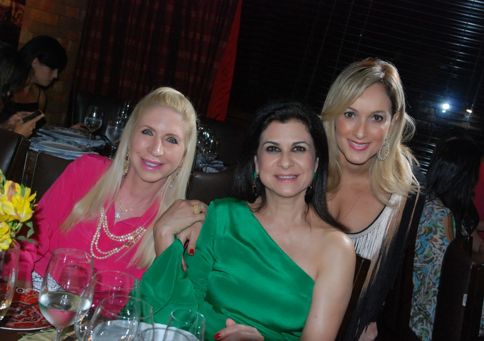 Lia Ferreira, Sandra Maciel e Cláudia Belfort em destaque