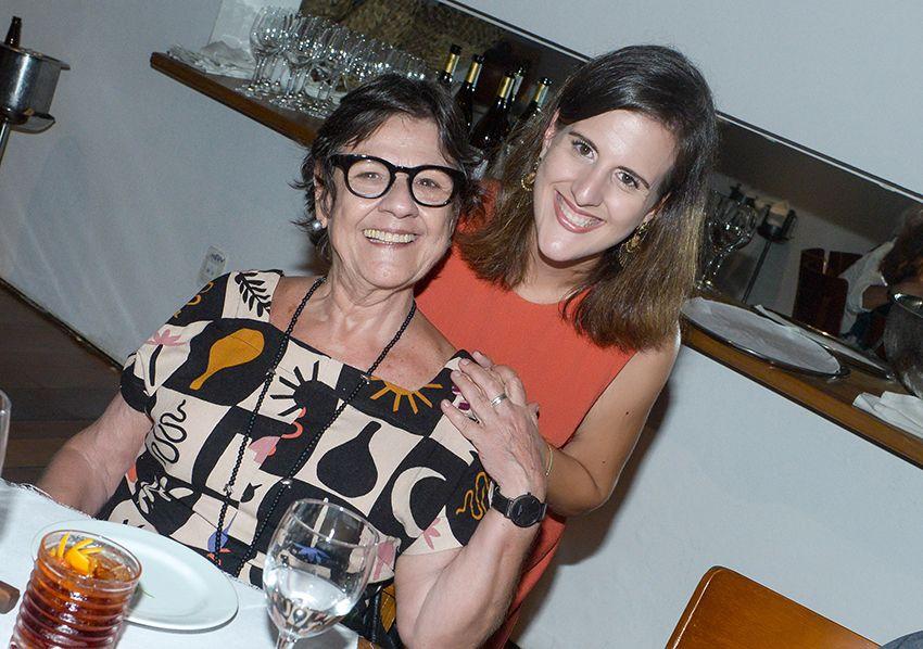 Vanda Engel comemorou seu aniversário no último dia 30 no Amado cercada por muitos amigos. Ver mais...