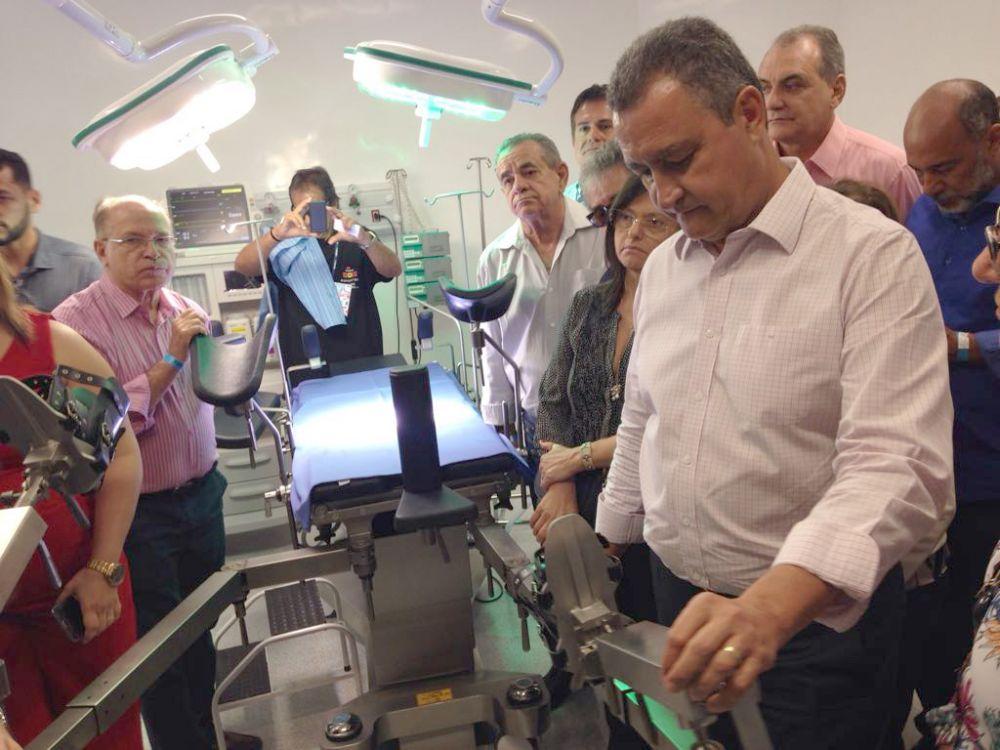 Com um investimento de 33 milhões, Rui inaugura Hospital Prado Valadares em Jequié.Click pra ver as fotos
