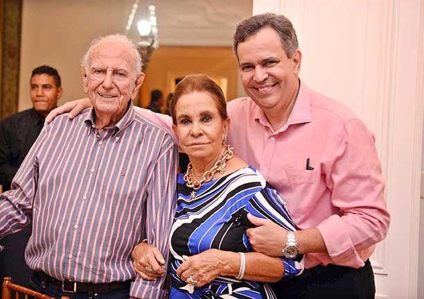 Maria Helena Mendonça recebeu a sociedade política e social soteropolitana para comemora o seu aniversário