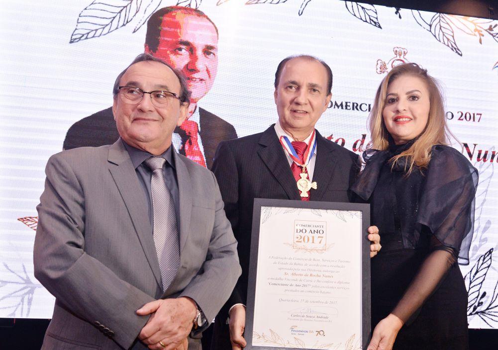 Alberto Nunes recebeu ontem dia 27 Medalha Visconde de Cairu e Título de Comerciante do ano 2017