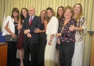 A família do Dr. Elsimar Coutinho em fotos de Valterio