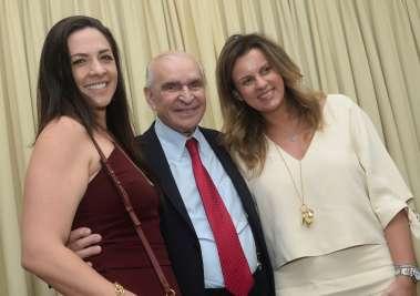 Manuela Gordilho, Elsimar Coutinho e Patrícia Coutinho Paiva em fotos de Valterio