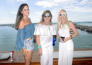 Karine Ferreira, Vânia Andrade e Lia Ferreira em fotos de Valaterio Pacheco