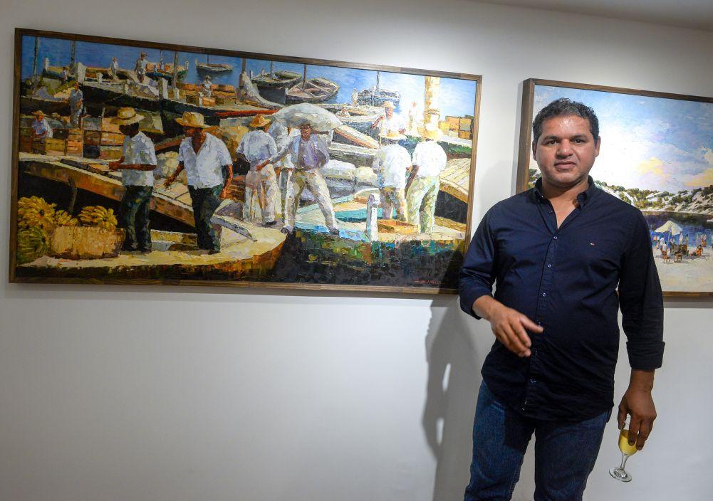 Coquetel de abertura da Galeria de Arte Sérgio Amorim no Shopping Barra, térreo lado para o mar.Clique pra ver mais...