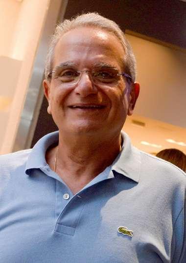 Antoni Tawil em fotos de Valteiro