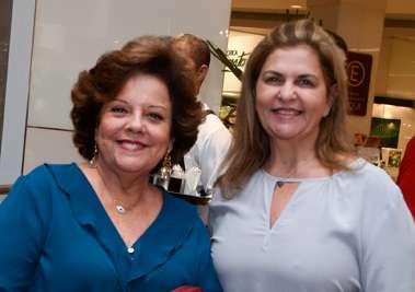 Janete Freitas colunista social da Tribuna da Bahia e Leila Brito superintendente da Fundação José Silveira em fotos de Valterio