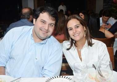 Priscila Silva Valero e Bruno Valero em fotos de Valterio no restaurante Amado